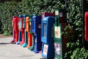 newspaper-boxes-1423087-639x426